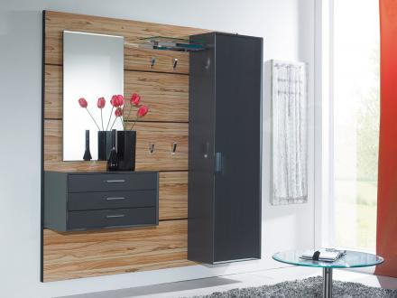 moderne garderobe h ngend die neuesten. Black Bedroom Furniture Sets. Home Design Ideas