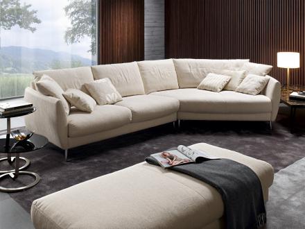 plateau aus eigenen werkst tten in ihrem segm ller einrichtungshaus. Black Bedroom Furniture Sets. Home Design Ideas
