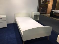 Steens - Bett und Nachtkonsole
