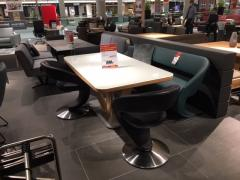Stylische Tischgruppe